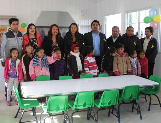 Acude presidente de Tepetitla a inauguración de comedor escolar de kínder