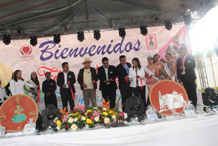 El trabajo de los artesanos han contribuido al desarrollo del municipio: alcalde