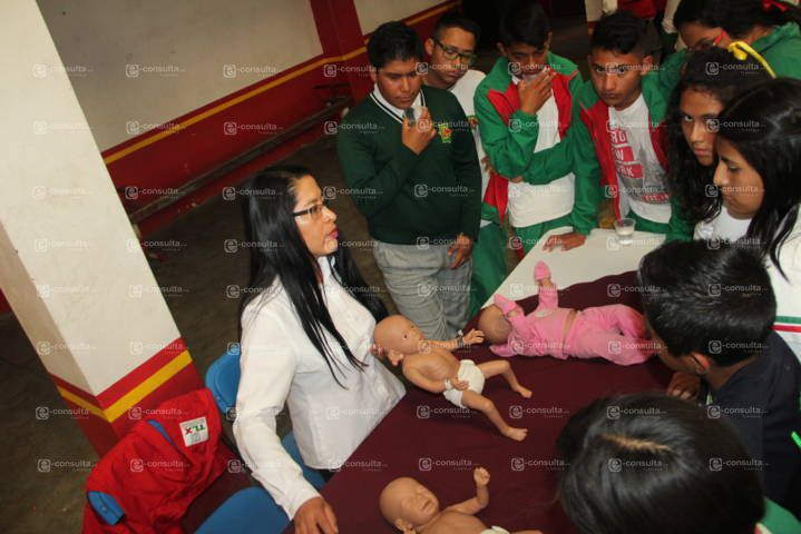 Ayuntamiento y Metropolitana concientizan alumnos sobre embarazos no deseados
