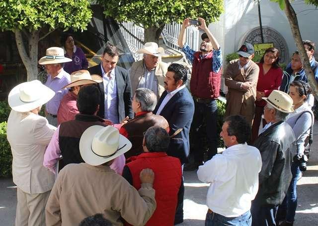 Reconoce alcalde de Tepetitla labor de empresarios por impulsar proyecto histórico agrícola