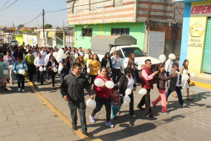 Ayuntamiento y SMDIF reconocen a la mujer en su día