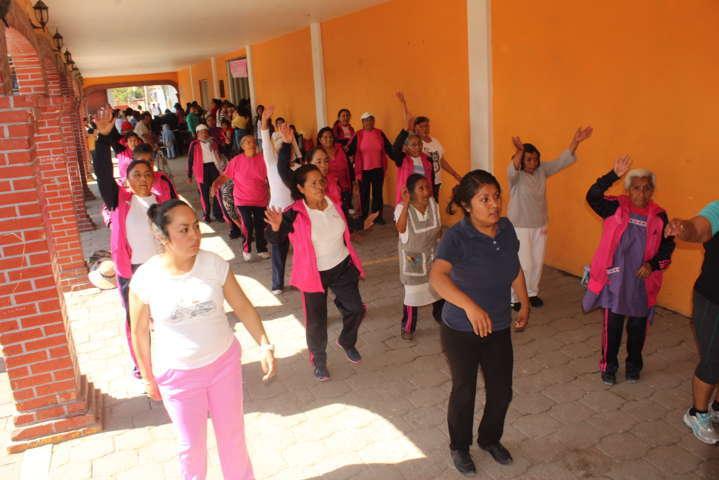 Alcalde de Tetlatlahuca AMR, reconoce el trabajo de la mujer