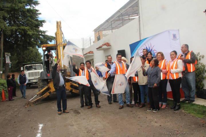 Alcalde mejora la imagen urbana de la calle Clavel de Santa Úrsula
