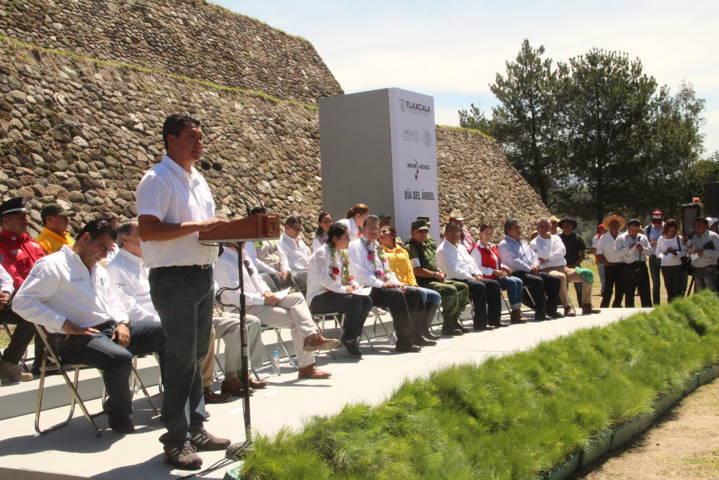 Nativitas sede del Día del Árbol y el Combatiente de Incendios Forestales