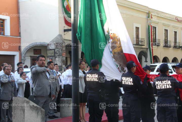 Celebremos la Independencia con trabajo y respeto a los demás: Fernández Nieves