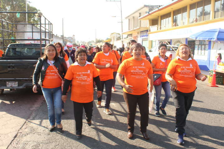 La mujer es pieza clave para el desarrollo del municipio: alcalde