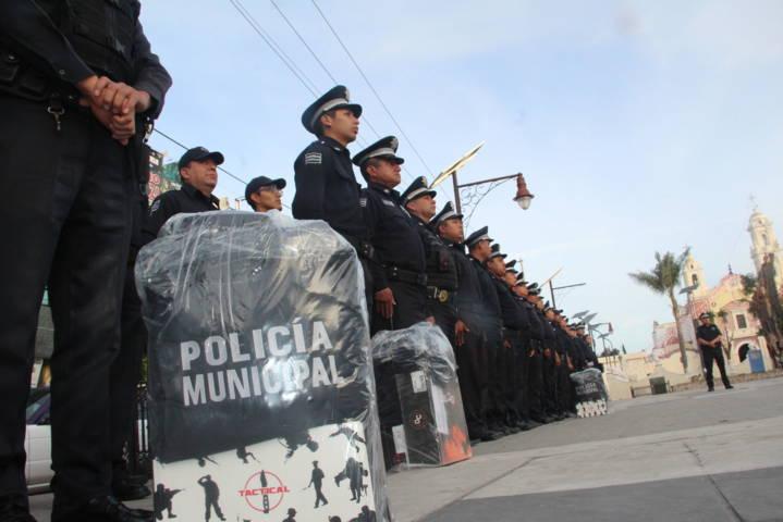 Alcalde refuerza la seguridad y mejora la imagen del policía municipal
