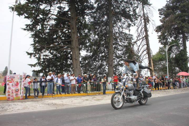 El Off Road y la exhibición de motos reunieron a miles de personas