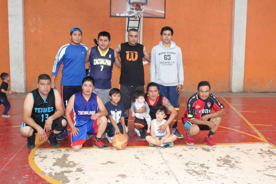 Alcalde ING motiva a jóvenes deportistas con torneo de básquetbol