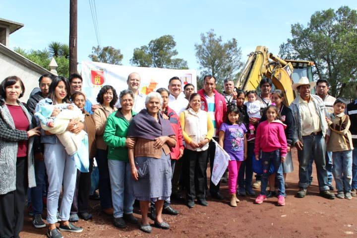 Se da banderazo de obra pública en la comunidad de Atexcatzinco, Tetla de la Solidaridad.