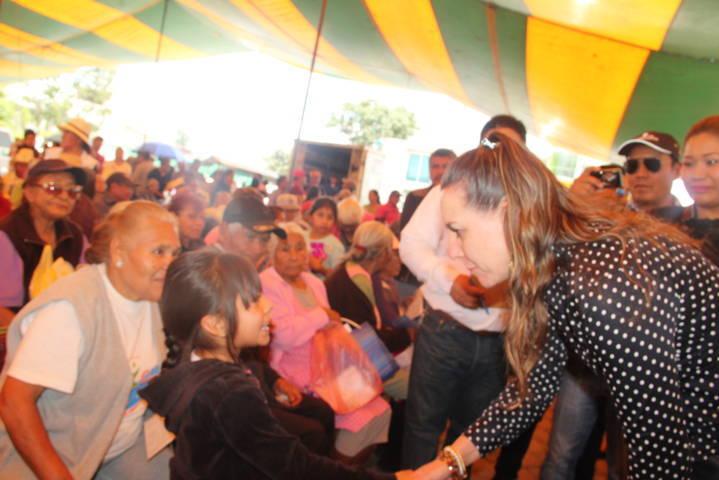 Acercamos la Feria de Apoyos y servicios para los abuelitos: Pérez Rojas