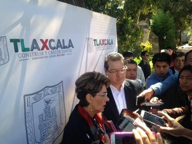 No vetará gobernador Marco Mena Ley para otorgar uniformes