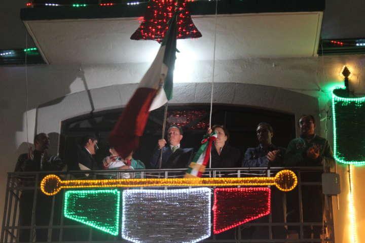 El alcalde Barranco Palacio preside el tradicional grito de Independencia