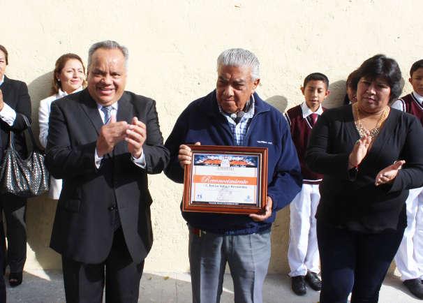 Reconoce Ayuntamiento al compositor huamantleco Emilio Vallejo Hernández