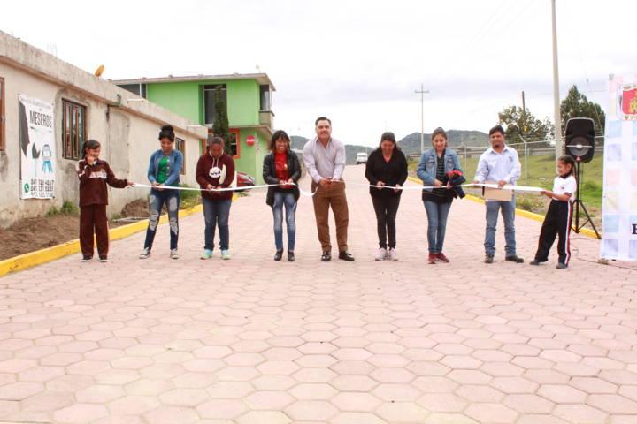 Se inaugura obra publica en las comunidades de Capulac y Santa Fe la Troje en Tetla