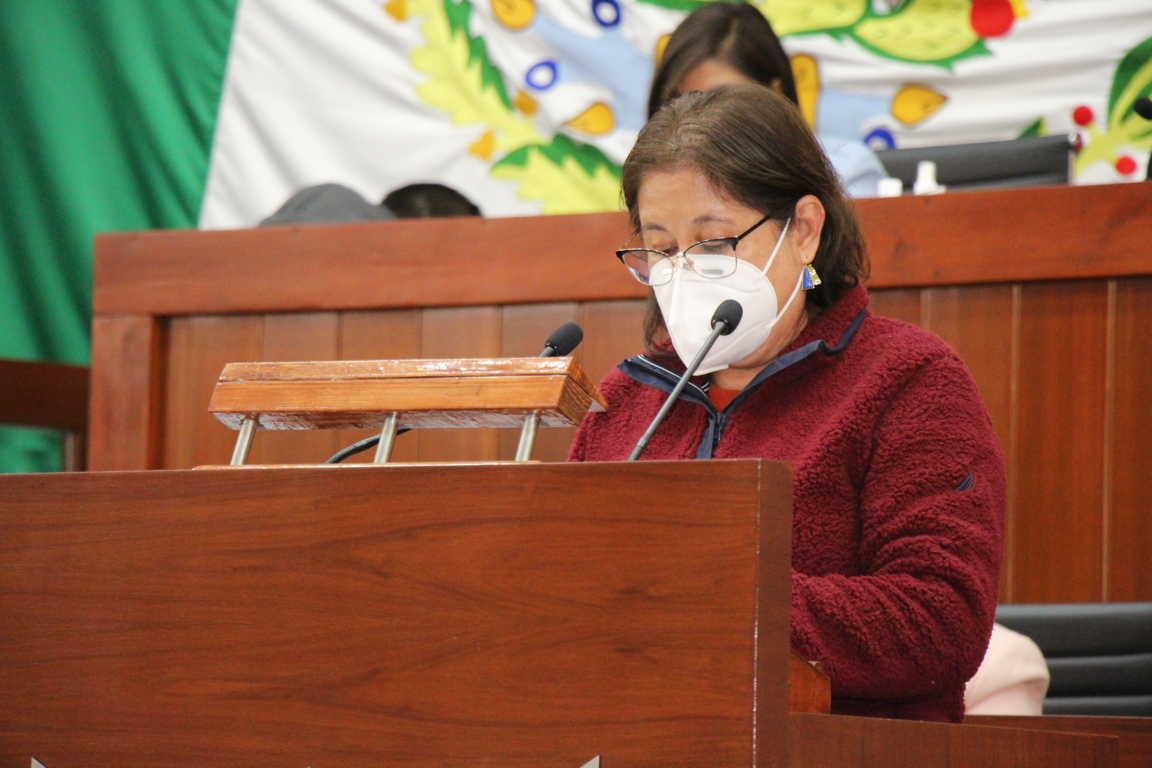 Comisión especial entrega informe sobre denuncia de juicio político