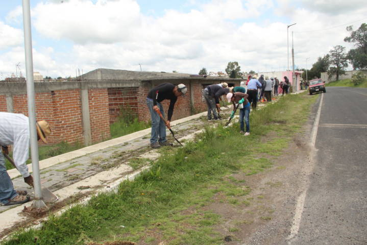 Con las faenas de limpieza mejoramos la imagen urbana del municipio: alcalde