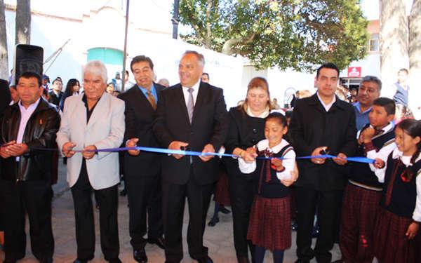Inaugura Alcalde de Huamantla rehabilitación de una plazuela más
