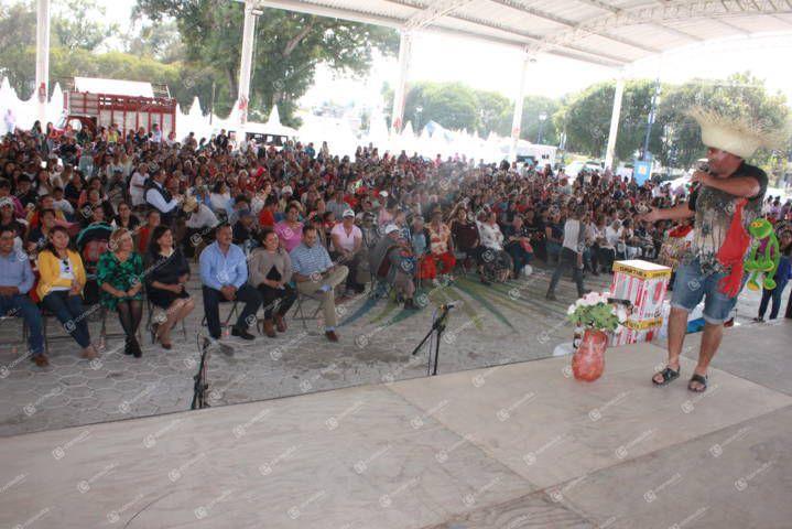 Villarreal Chairez festejo en grande a las mamás y a los niños del municipio