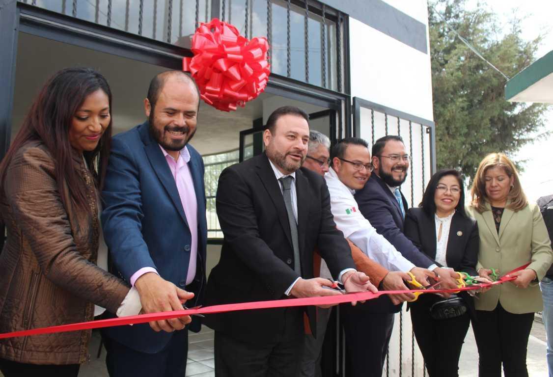 Firma de convenio entre Santa Cruz Tlaxcala y la sociedad de odontólogos UNAM