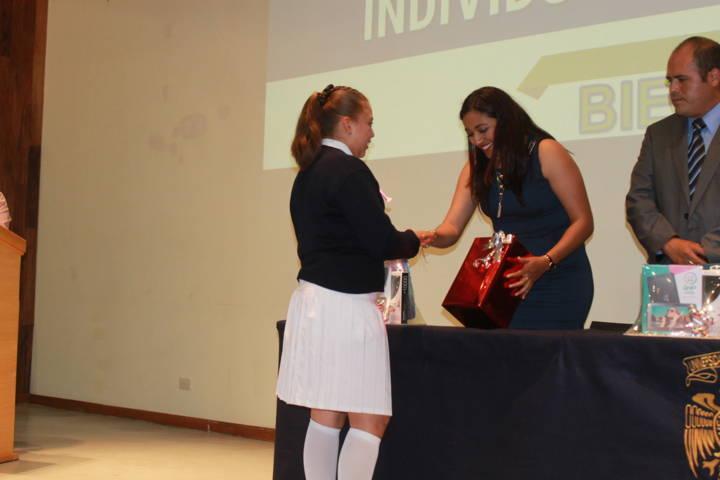 Sanabria Chávez acude al 5to Concurso de Oratoria y Poesía individual