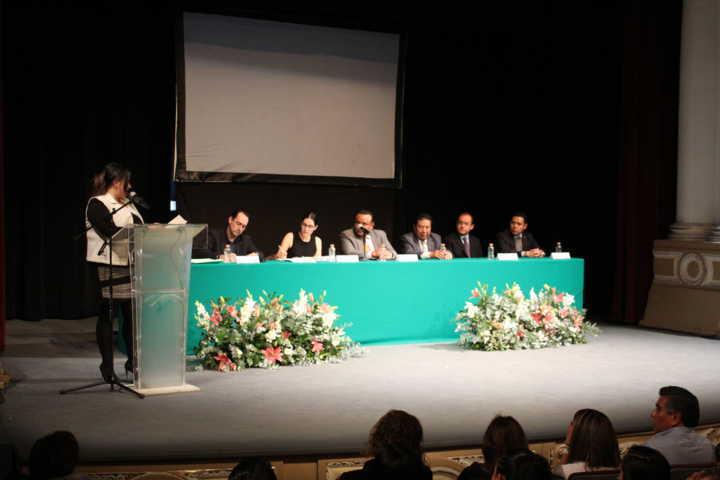 Celebra ARCO su primer aniversario con magnas conferencias