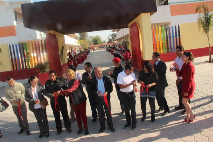 Alcalde mejora la infraestructura educativa de la primaria Flores Magón
