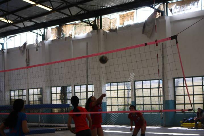 Realizan estatal de olimpiada en voleibol de sala