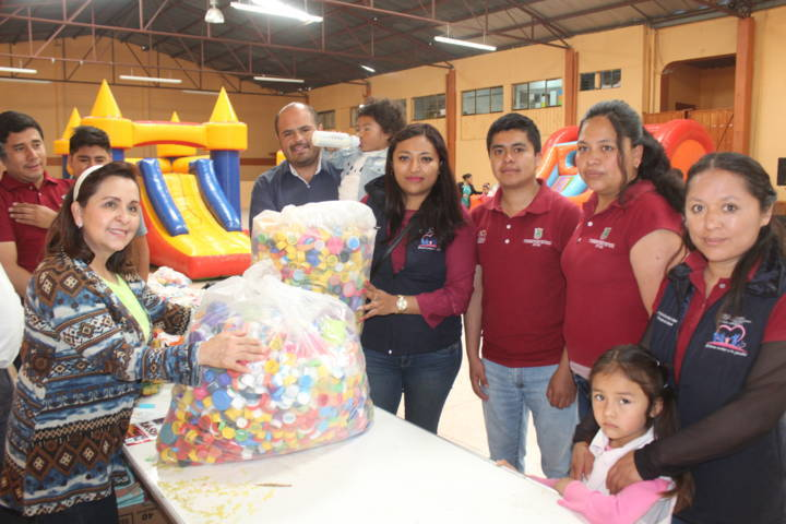 Con estas tapitas de plástico apoyamos a niños con cáncer: alcalde
