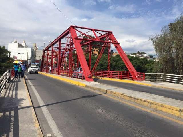 Ayuntamiento capitalino  refuerza imagen de puente rojo, icono de la ciudad