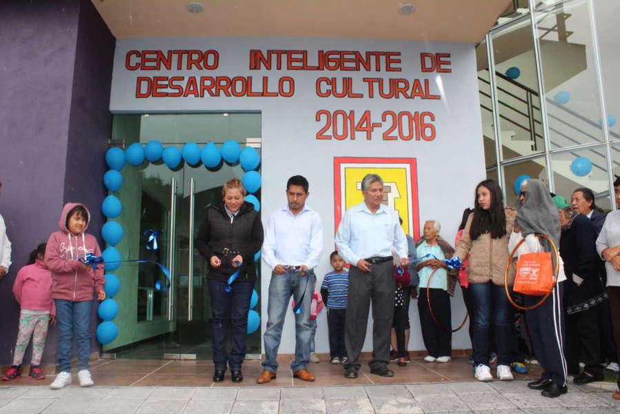 """Habitantes de Xalcaltzinco estrenan """"Centro Inteligente de Desarrollo Cultural"""""""
