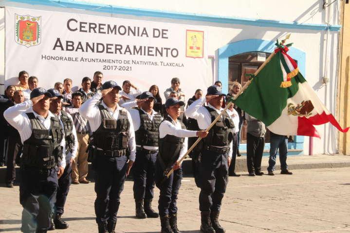 Ayuntamiento y Ejercito Mexicano Incineran Bandera Nacional