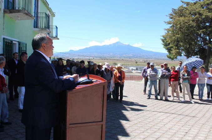 Entrega JAAL diversas obras en comunidad de Huamantla