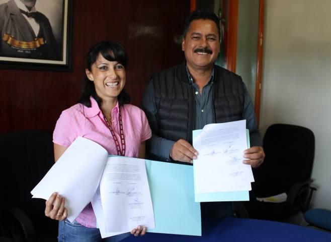 Ayuntamiento y el IEM signan convenio de colaboracion a favor de las mujeres
