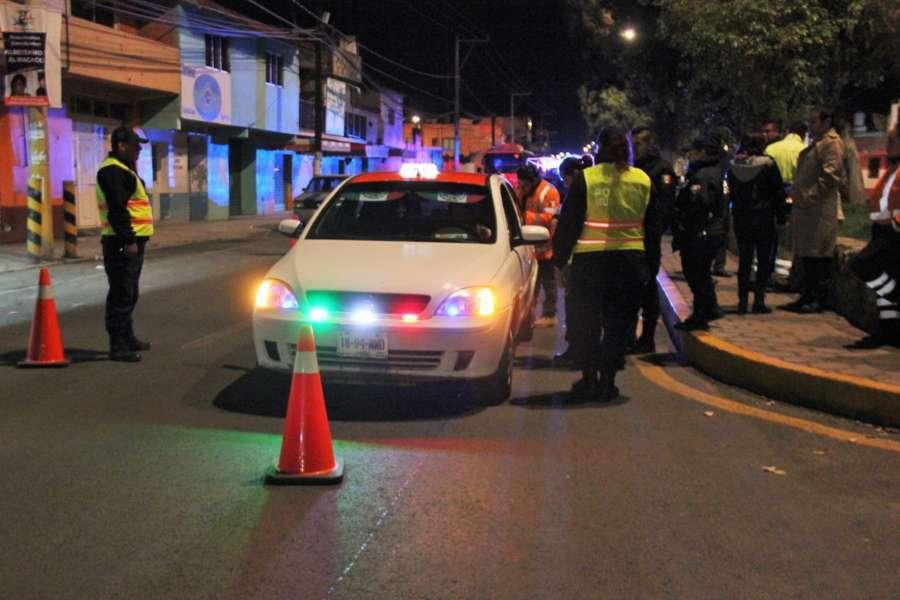 Con alcoholímetro concientizan a conductores de automotores en Calpulalpan