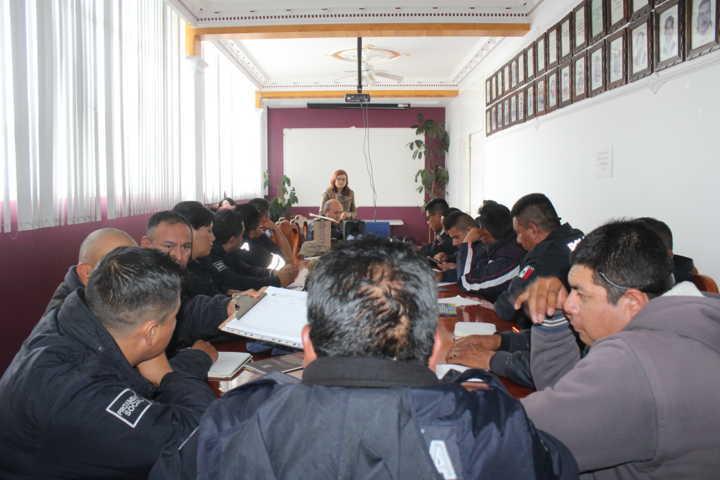 Policía Municipal de Santa Cruz Tlaxcala se capacita en Derechos Humanos En Seguridad Pública
