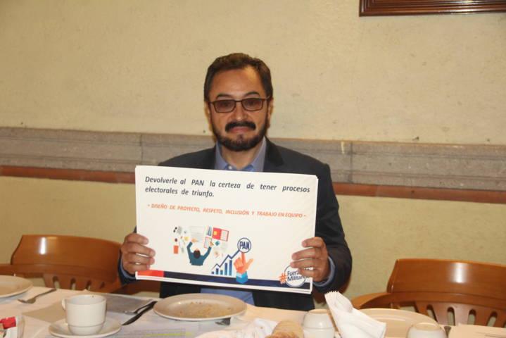 José Gilberto Temoltzin levanta la mano para la dirigencia estatal del PAN