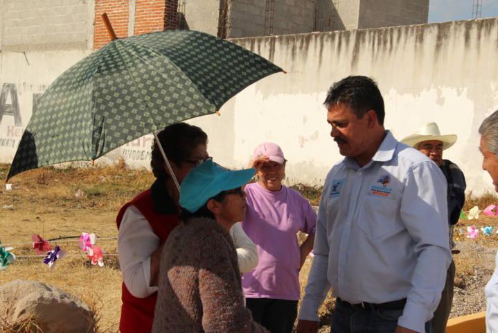 Alcalde entrega calle adoquinada a vecinos de la 16 de septiembre de Santa Úrsula
