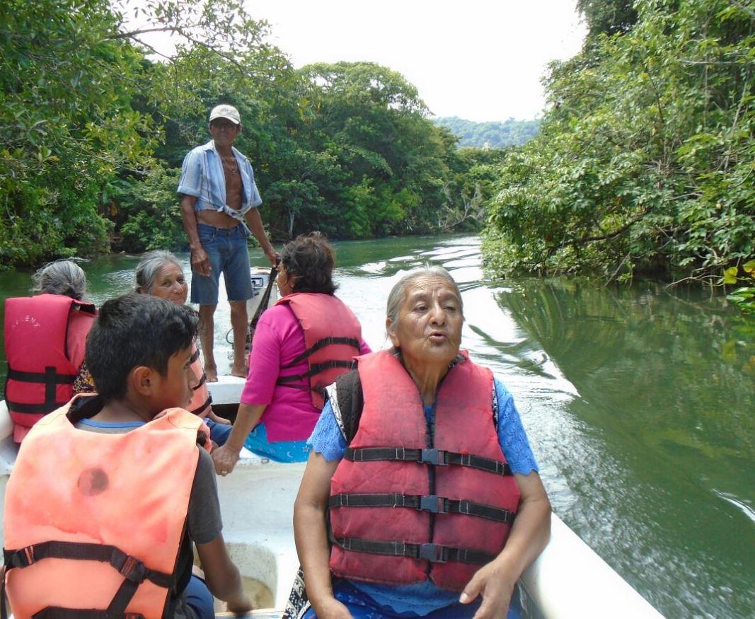 Realiza SMDIF viaje recreativo para los abuelitos de la comuna