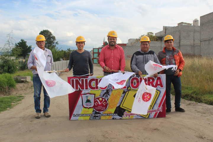 Encabeza Sanabria Chávez banderazo para ampliar drenaje sanitario en Calle Sauces