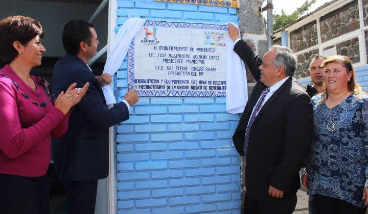 Inaugura Alejandro Aguilar áreas en la UBR del DIF Huamantla