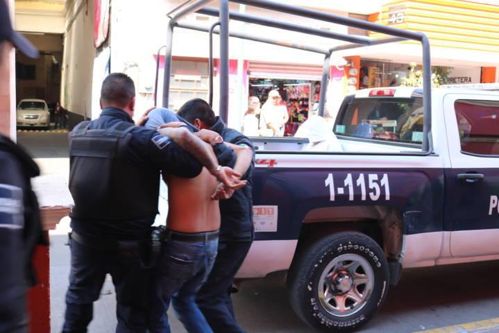 Policía de Chiautempan detiene a asaltantes de Casa de Empeño