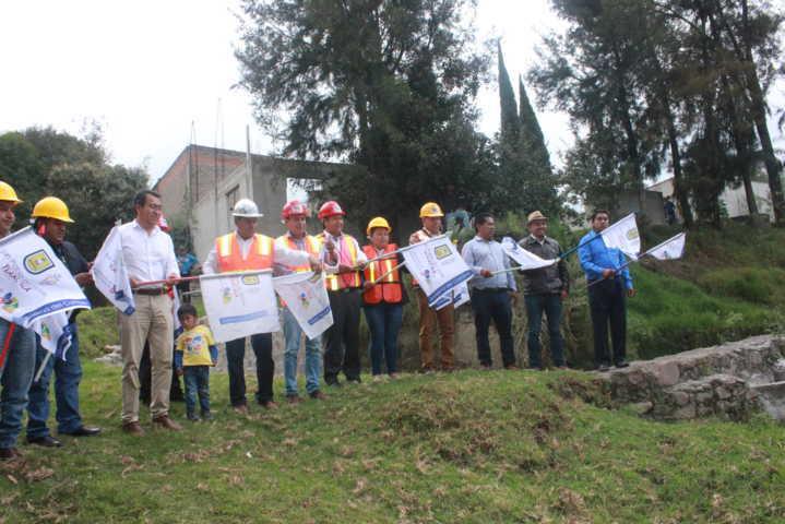 El drenaje de la Manantiales del Rancho beneficiara a cientos de personas: alcalde