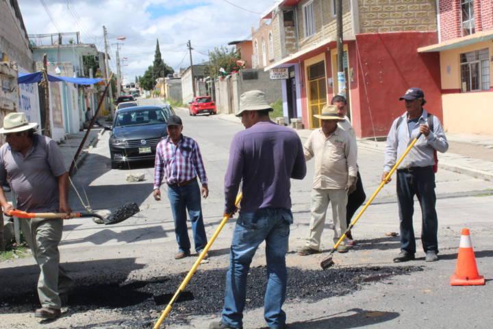 Alcalde intensifica programa de bacheo para mejorar las vialidades en el municipio