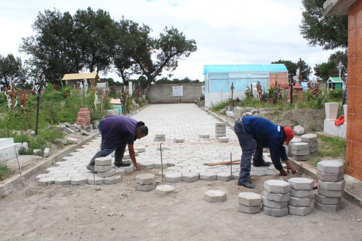 Trabajadores de la construcción son beneficiarios con empleo temporal en Tetla de la Solidaridad