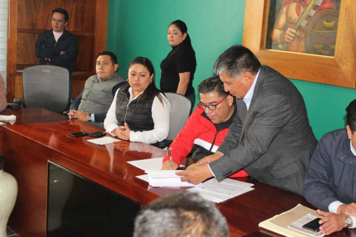 Diputados y autoridades de Tlaltelulco alcanzan acuerdo