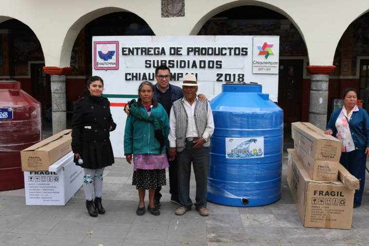 Entrega Chiautempan calentadores y tinacos a población vulnerable