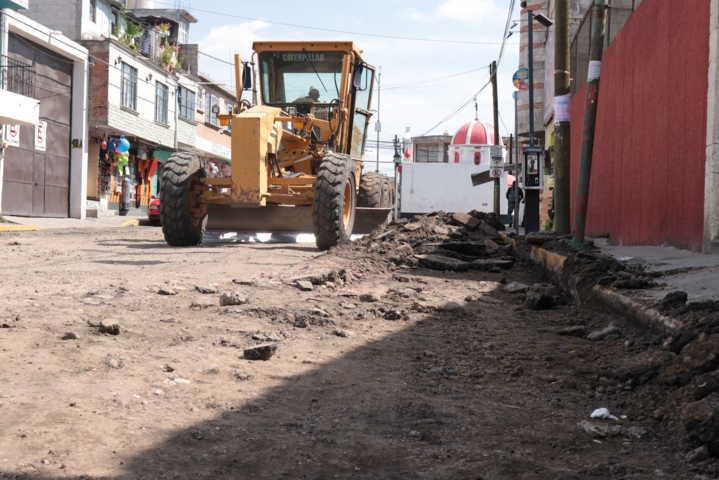 Ayuntamiento trasforma la calle Morelos con 945 m2 de pavimento