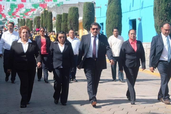 Sánchez Amador da el tradicional Grito de Independencia