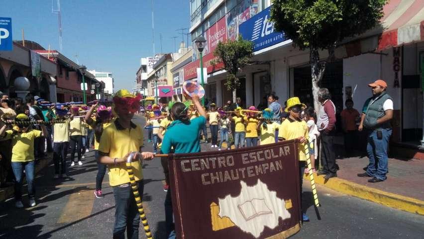 Entrega Ayuntamiento de Chiautempan premios a camadas del Carnaval 2017